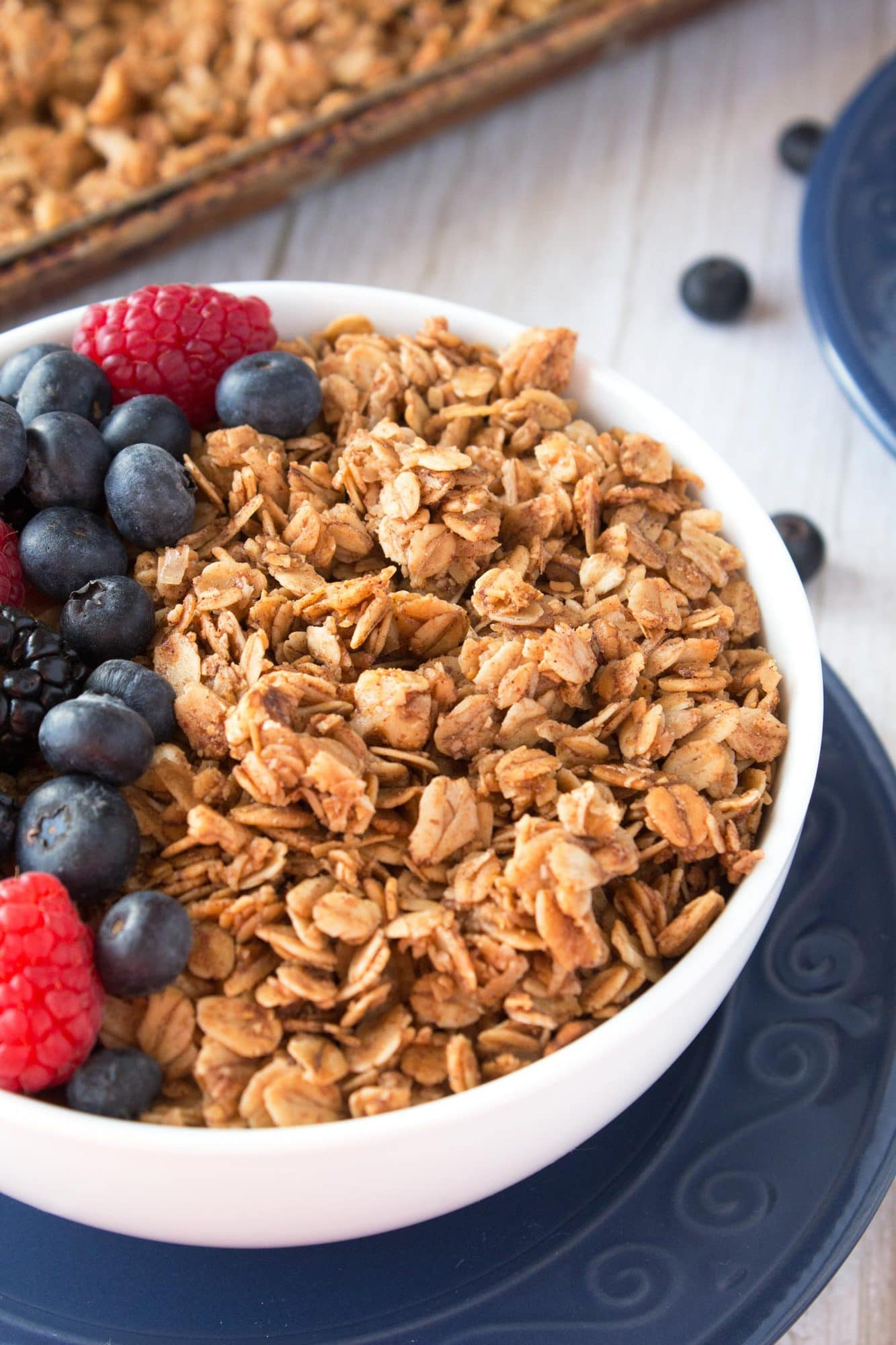 Up close view of granola clusters.